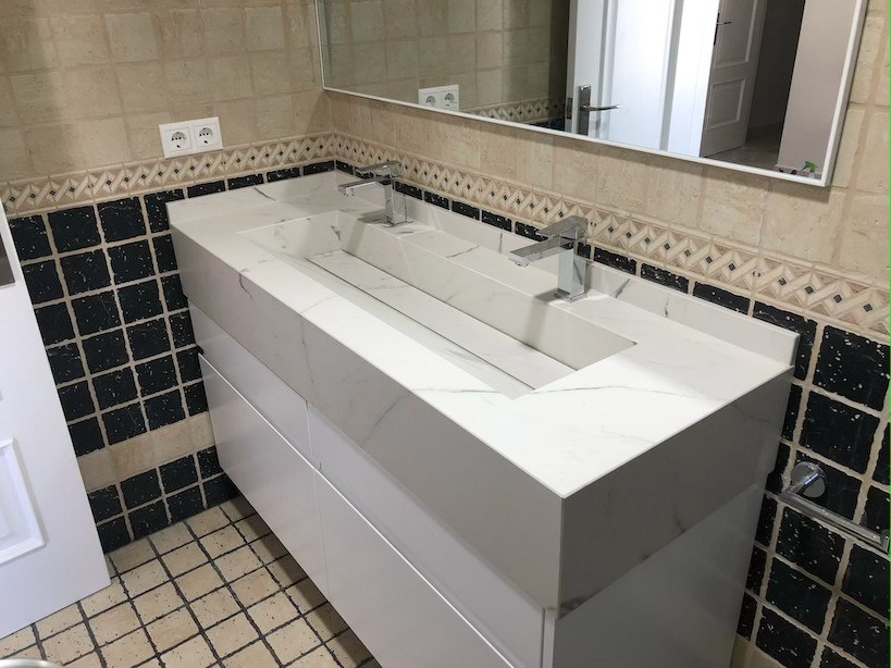 Lavabo en piedra blanco